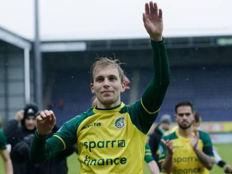 NAC presenteert aanvallers Stokkers en Filipovic in Bredase kroeg