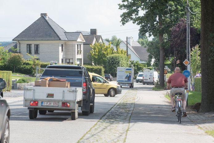 De Graaf van Landaststraat krijgt een nieuwe riolering en een wegdek in asfalt.