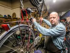 """""""Van twee kapotte fietsen maak ik weer één gerecycleerde"""": Ben's Bike sluit akkoord met containerparken om afvalberg te verkleinen"""