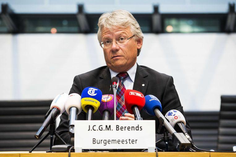 Burgemeester John Berends van Apeldoorn tijdens de persconferentie. Beeld anp
