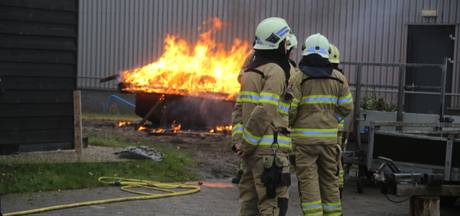 Container in brand gestoken op industrieterrein in Nijkerk