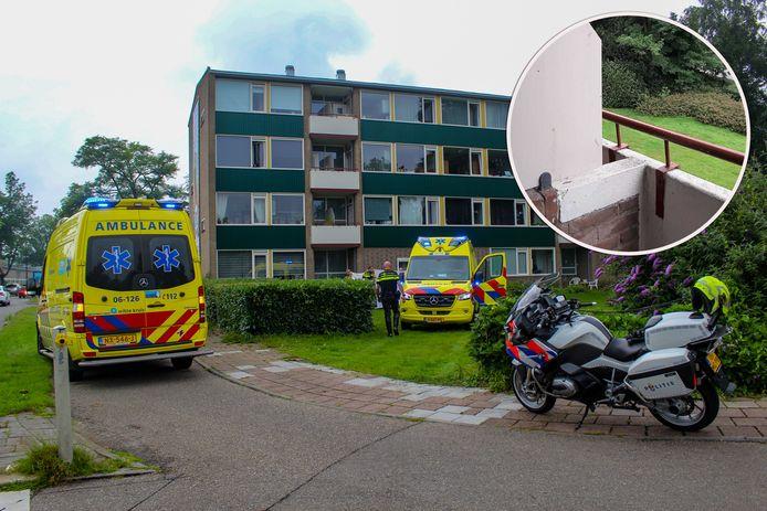 Bij dit appartementencomplex aan de Edisonlaan in Apeldoorn viel eerder deze maand een 62-jarige man van een balkon op de tweede etage naar beneden.