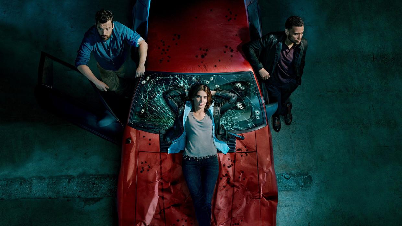 Jake Johnson, Cobie Smulders en Michael Ealy in 'Stumptown' Beeld TMDB