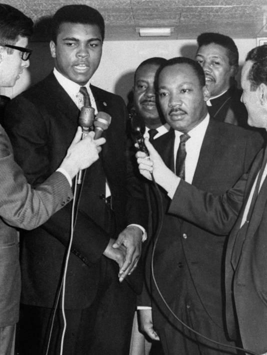 Ali en Martin Luther King in maart 1967 in Kentucky, waar Ali zijn oproeping voor de Vietnamoorlog voor de rechter zou aanvechten. .