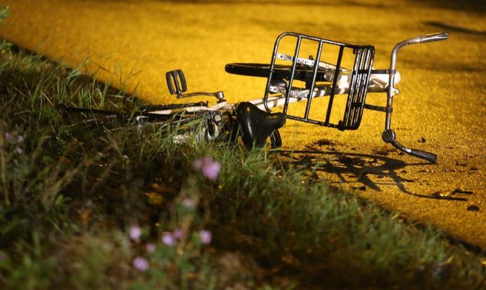De fiets die met Indy Verhallen (17) werd geschept op de hoek van de Harendonkweg-Bruistensingel in Den Bosch.