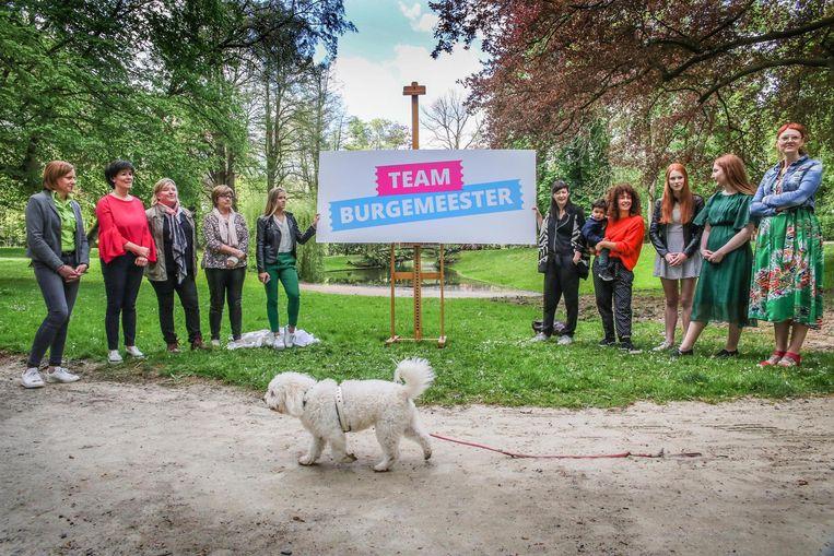 Bij de bekendmaking van de naam 'Team Burgemeester' werden ook tien onafhankelijke dames voorgesteld.