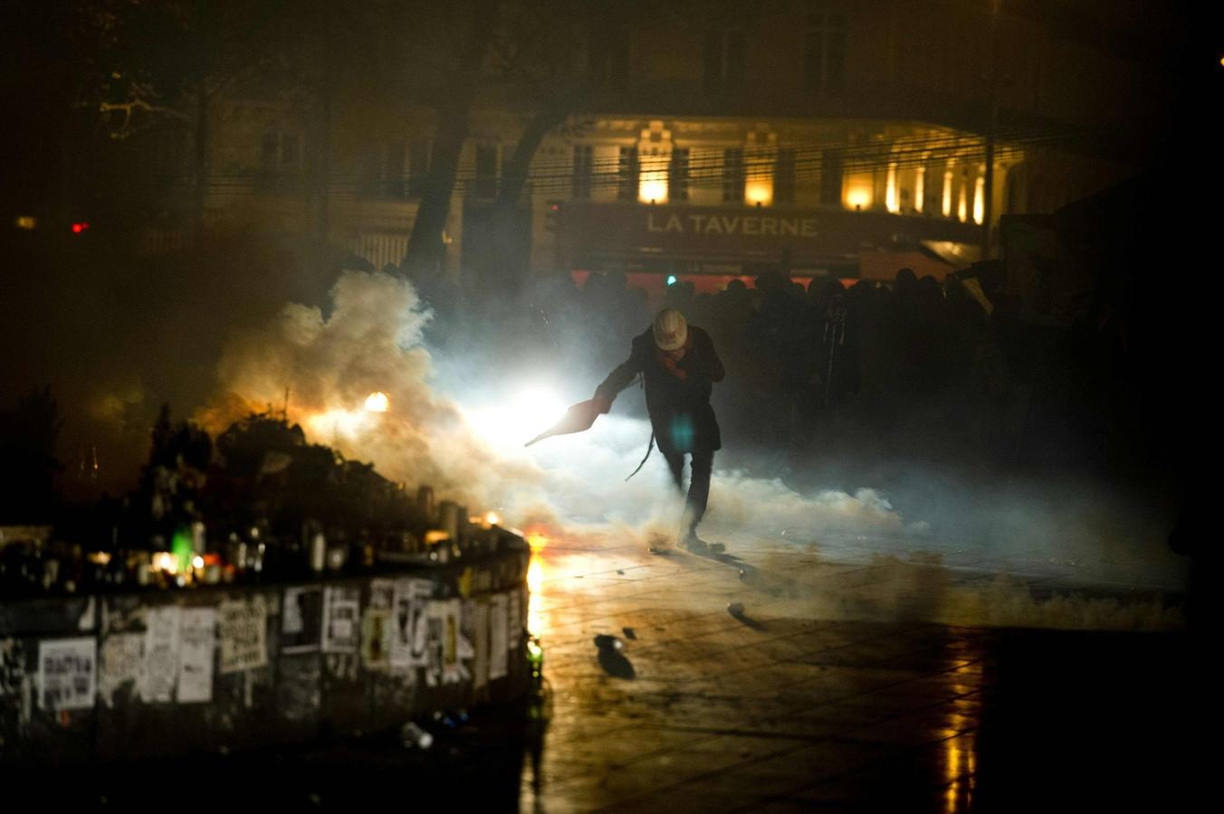 De uit de hand gelopen manifestatie in Parijs, donderdagavond