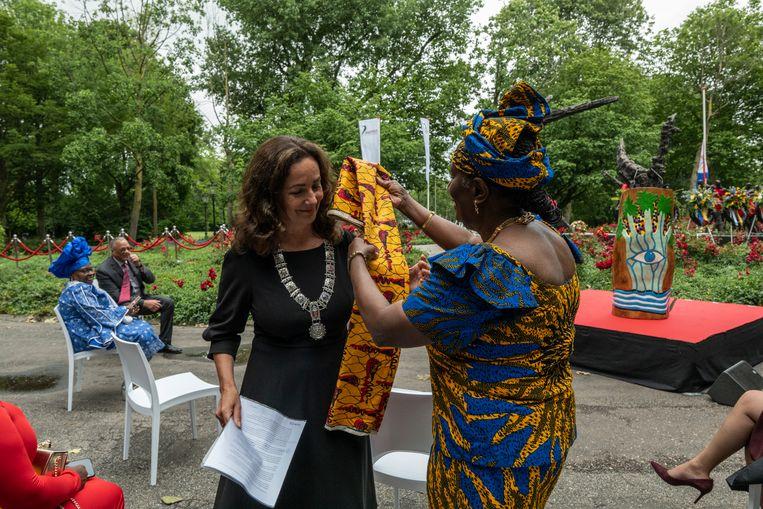 Burgemeester Halsema tijdens de Keti Koti-herdenking vorig jaar. Beeld Getty Images / Daphne Channa Horn