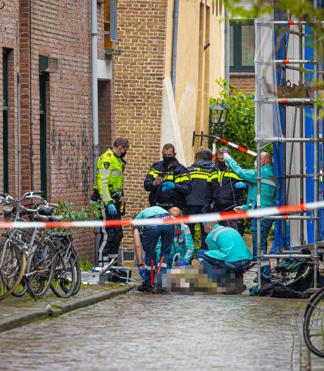 Maureen ziet agent vechten voor leven neergestoken Zwollenaar: 'Hij leek een slappe lappenpop'