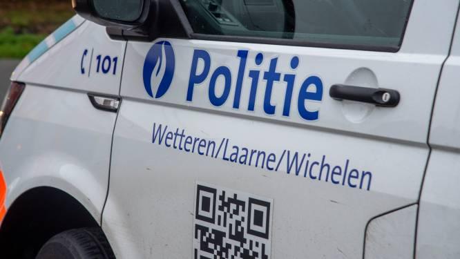 Meer dan honderd overtredingen en vijf wagens in beslag genomen tijdens verkeersacties in politiezone Wetteren