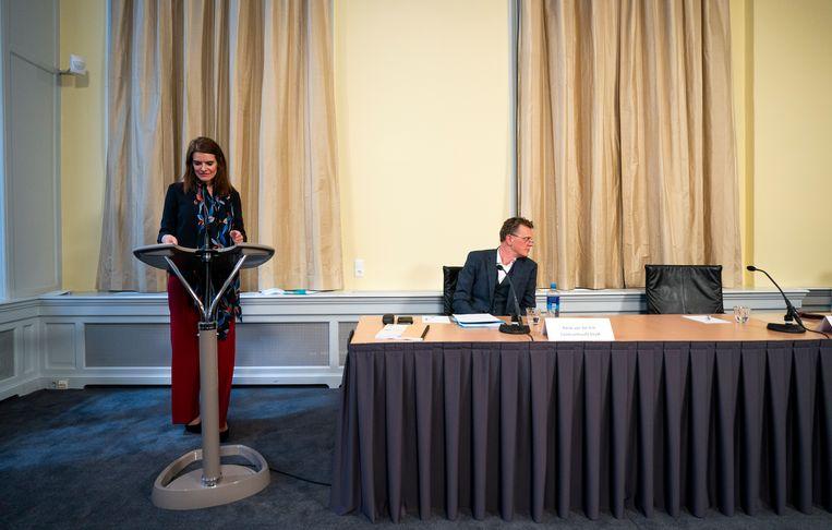 Barbara Visser (demissionair staatssecretaris Defensie)  tijdens de presentatie van het rapport van de Paritaire Commissie Aanpak problematiek Chroom-6.  Beeld Hollandse Hoogte /  ANP
