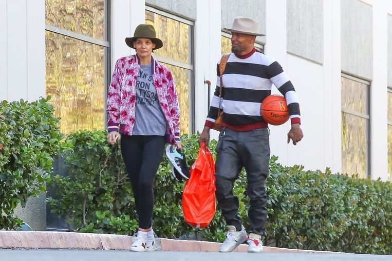 Katie en Jamie laten zich steeds vaker samen zien. Zoals met Valentijn, toen gingen ze samen basketballen.