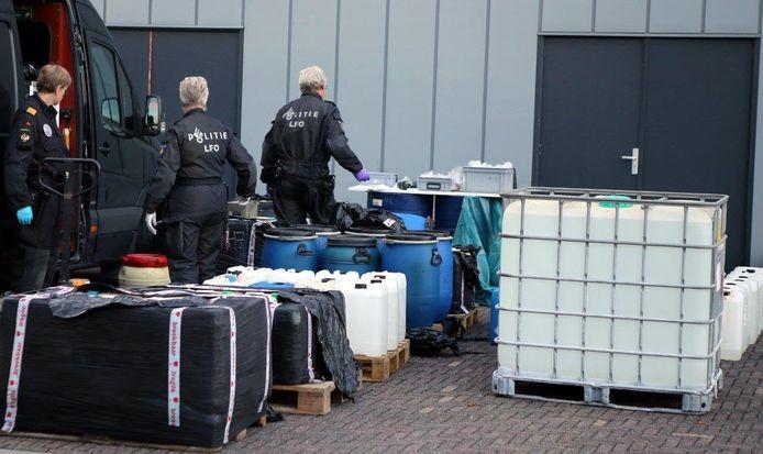 De Landelijke Faciliteit Ondersteuning Ontmantelen van de politie (LFO) kwam ter plaatse.