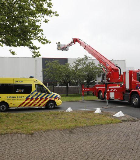 Recyclingbedrijf Roosendaal ontruimd na melding brand, zes personen hebben rook ingeademd