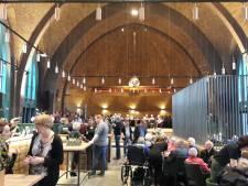 Oude kapel verbouwd tot ontmoetingsplek en restaurant op Park Vossenberg in Kaatsheuvel