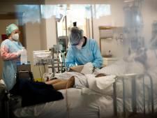 Le nombre d'infections repasse sous les 3.000 cas par jour