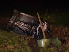 Auto belandt in sloot in Doetinchem