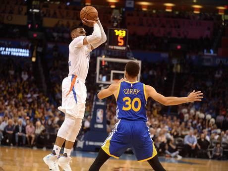 VIDEO: Onstuitbare Westbrook kan niet meer missen