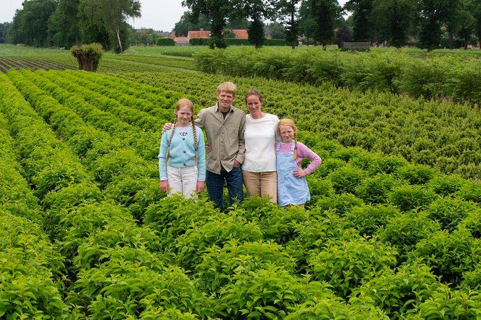 Boomkweker Wim Stevens, zijn echtgenote Ellen en de dochters Zoë en Yana uit Kalmthout zetten zondag hun 'deuren' open voor de Dag van de Landbouw.