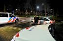 Politiecontrole in Tilburg nadat de avondklok is ingegaan.