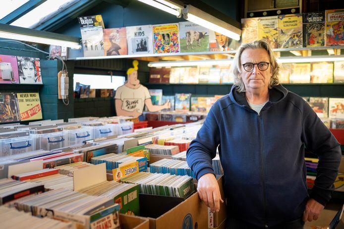 Guido Van Woensel in zijn winkel De schat van Beerzel.