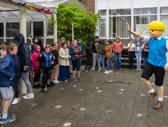 Jommeke bezoekt basisschool Het Laar voor lancering fotozoektocht rond nieuwe strip