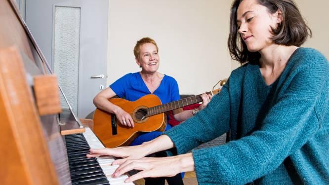 Een lied voor elk verdriet: duo maakt muziek op maat bij persoonlijk leed