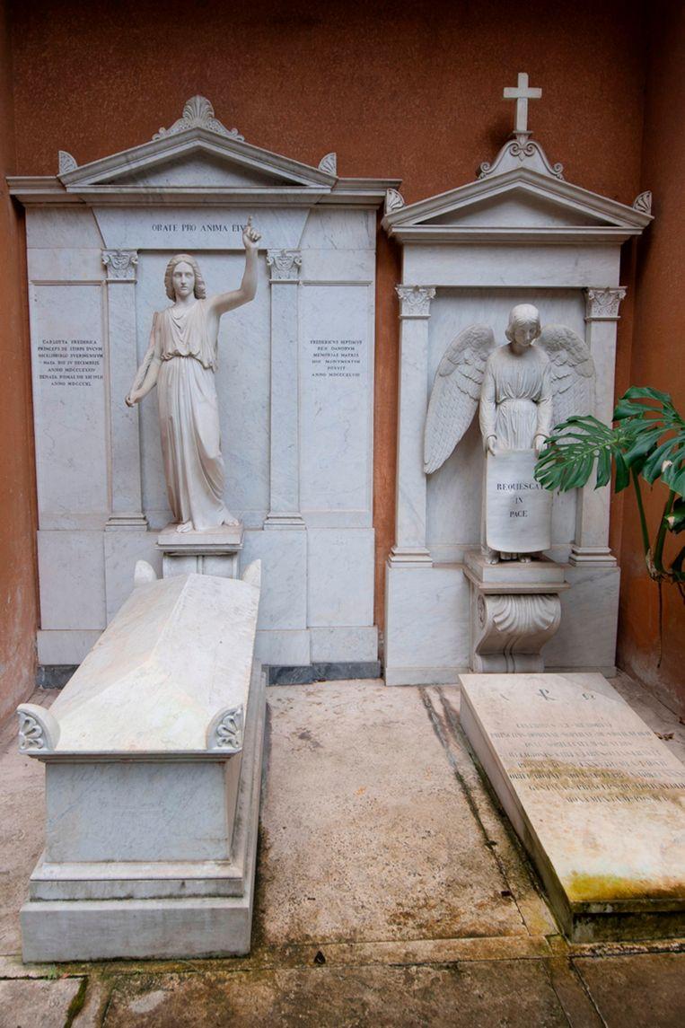 """De belangstelling van de familie voor een graf op de begraafplaats komt mede door een anonieme brief die hun advocate afgelopen zomer kreeg. Daarin staat: """"zoek op de plek waar de engel wijst""""."""