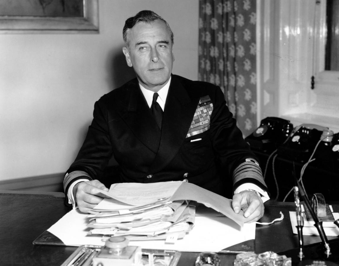 Lord Louis Mountbatten (1900-1979), foto uit 1955.