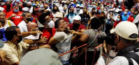 Honderden arrestaties op Cuba na grote protesten tegen regering
