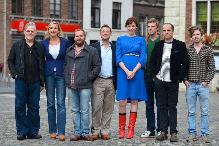 Liesa Naert, naast De Pauw, bij de voorstelling van de tv-reeks 'Quiz me Quick'. Beeld BELGA