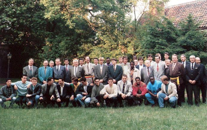 Glen De Boeck (onderste rij, vijfde van rechts) en de kampioenenploeg van Boom FC in 1992.