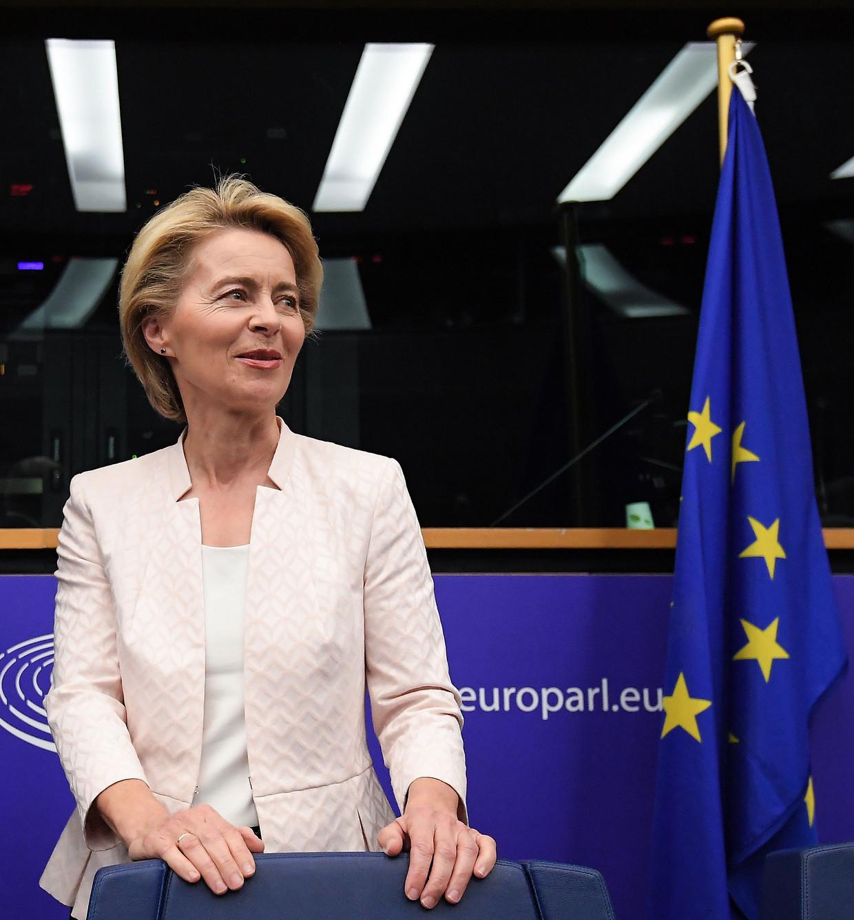 De mogelijk nieuwe EU-Commissievoorzitter Ursula von der Leyen in het Europees Parlement in Straatsburg. Vandaag wordt er over haar kandidatuur gestemd. Beeld AFP