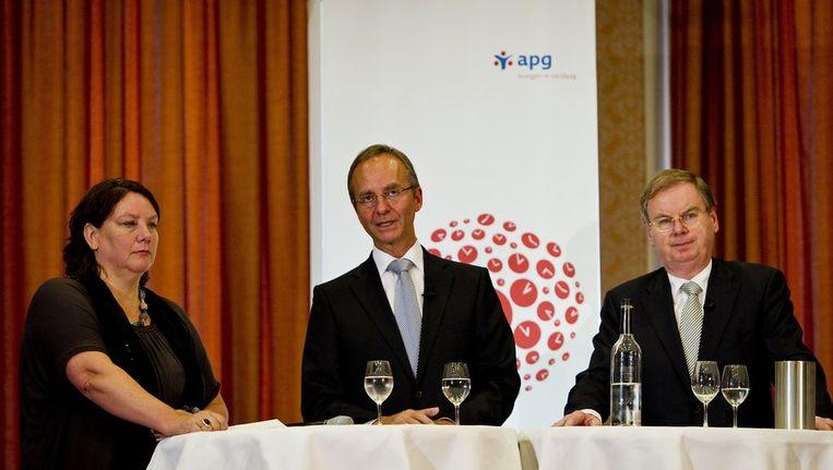 Agnes Jongerius (Voorzitter FNV), Henk Kamp (Minister SZW) en Bernard Wientjes (Voorzitter VNO-NCW). Beeld anp