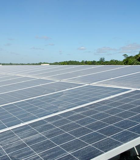 Vriezenveens bedrijventerrein zonder bedrijven moet zonnepark worden