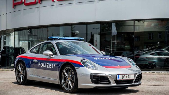 De Oostenrijkse politie gaat met een Porsche 911 op pad.