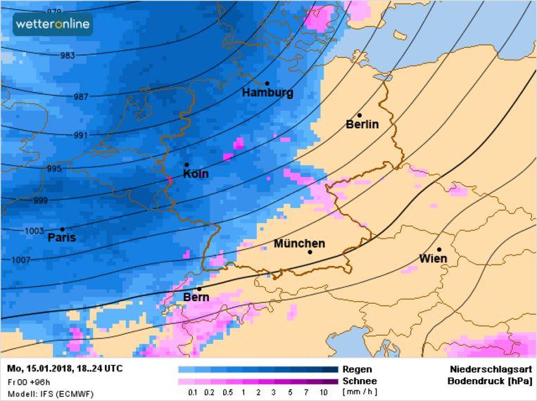 Maandag in de namiddag gaat het matig tot hevig regenen vanaf het westen. Er valt gemiddeld zo'n 5-10 liter water per vierkante meter.