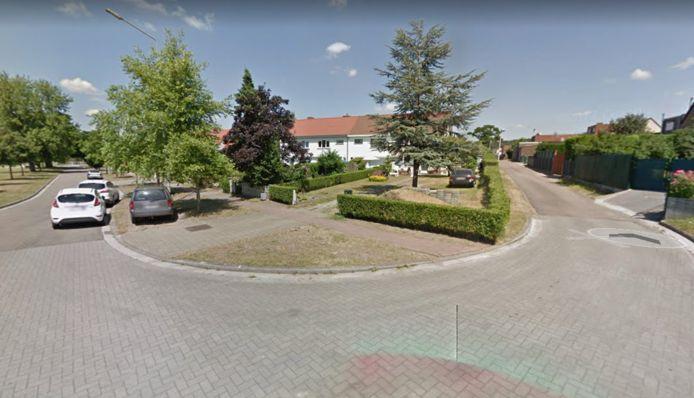De feiten gebeurden in de Albrecht Rodenbachlaan (links). Rechts kan je doorwandelen naar de Goudstraat.