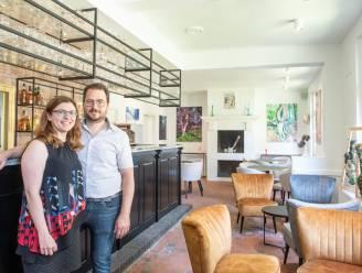"""Maïté en David maken van De Hermelijn in Wannegem een loungebar met galerij: """"Genieten van hapje en drankje zonder verplichtingen"""""""