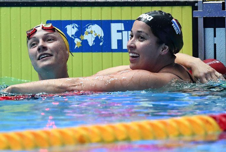 Sarah Sjoestroem (L) en Ranomi Kromowidjojo (R). Beeld AFP