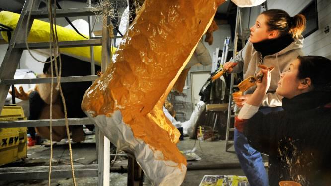 Bouwers van carnavalswagens in Moesland (Schaijk) dreigen dakloos te worden