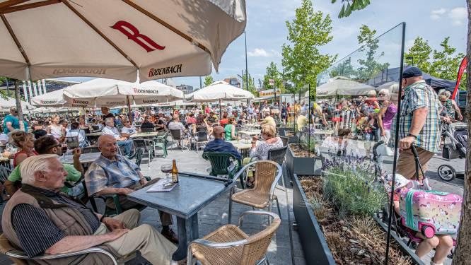 """Uitgebreide coronaterrassen komen ook in 2022 terug in Roeselare: """"Extra ruimte creëert meer zuurstof en privacy voor de klanten"""""""