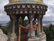 Tilburgse carnavalssjaal duikt op van Myanmar tot Lissabon