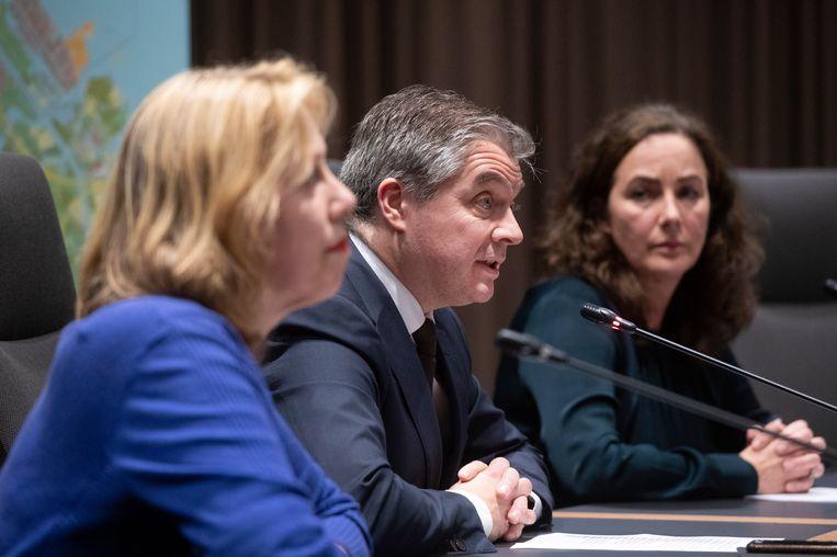 Yvonne van Duijnhoven (GGD), burgemeester Erik Boog (Diemen) en burgemeester Femke Halsema   Beeld ANP