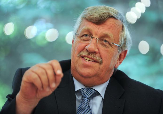Walter Lübcke, lid van de CDU van kanselier Angela Merkel, lag onder vuur van rechtsextremisten wegens zijn uitgesproken steun aan de opvang van vluchtelingen in Duitsland.