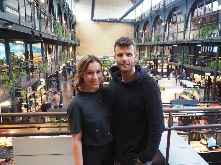 Veronique Smolders en Kevin Goos bij de opening van hun Vleeshalle.