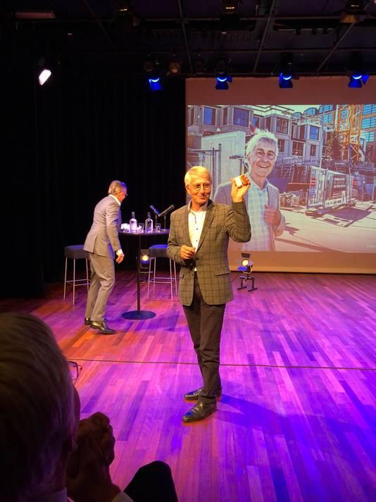 Frits Horvers tijdens de uitreiking van de 'Bouwer van Verdienste'.