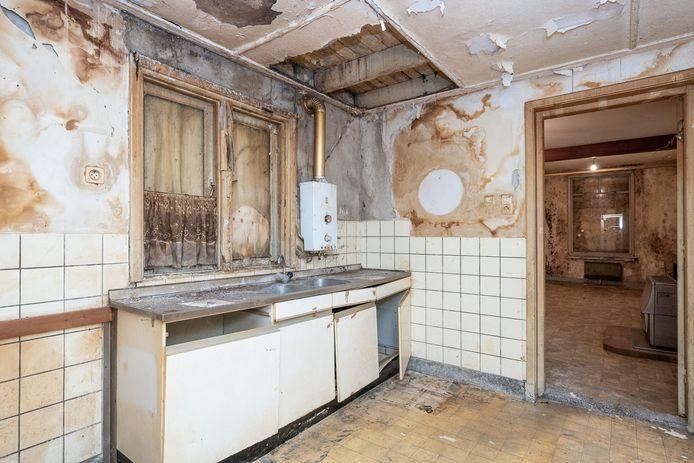 Het interieur van het verpauperde huis aan de Helmondselaan