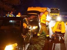 Auto rijdt achterop caravan op A2 bij Leende