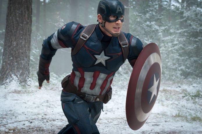 In de films kruipt Chris Evans in de huid van Captain America.
